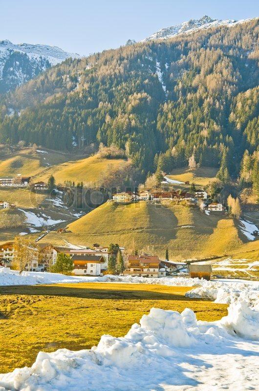 Innsbruck sterreich architektur und natur hintergrund for Architektur und natur