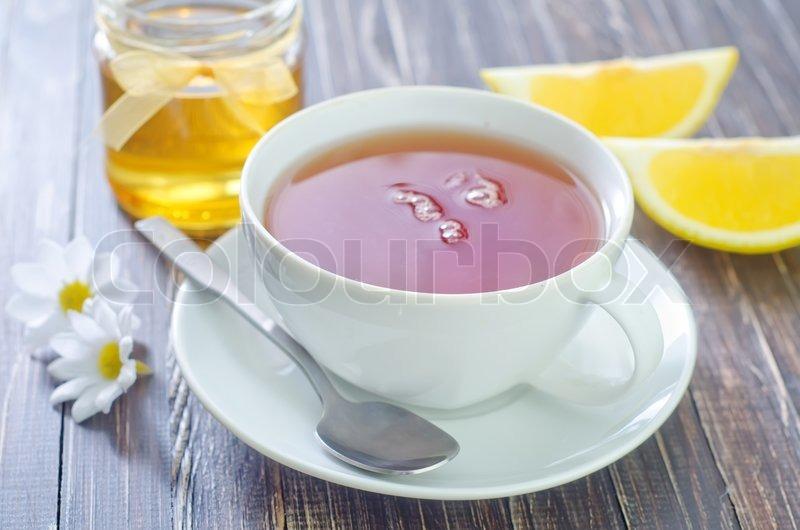 Если честно, то на то, чтобы убедить мою семью в том, что простая вода с медом и лимоном