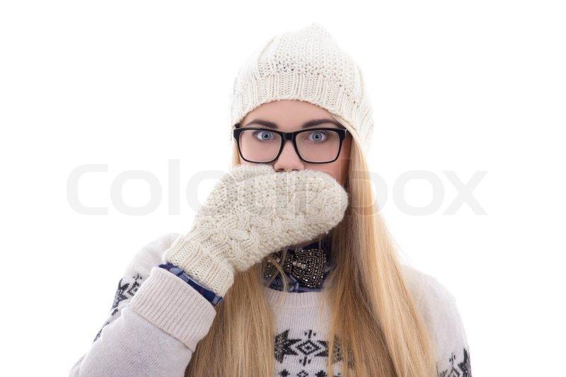 Teenager-Mädchen mit schönen langen Haaren in warme Winterkleidung ...