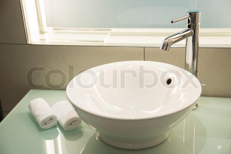 vask til badeværelse Moderne vask i badeværelset | stock foto | Colourbox vask til badeværelse