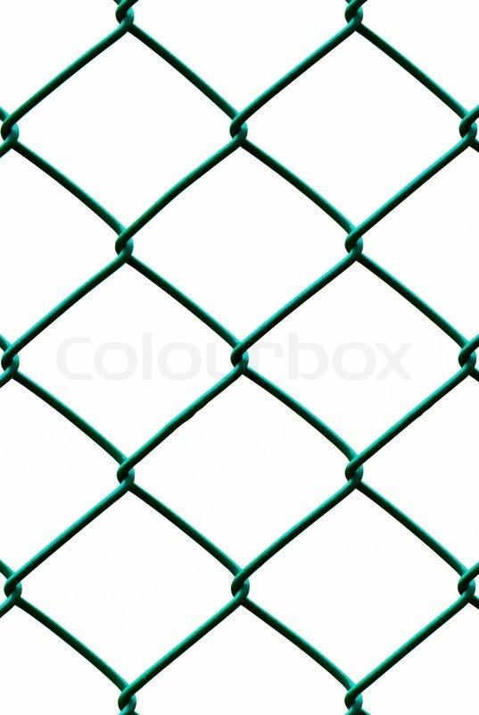 Grüner Draht Zaun auf weißem Hintergrund , vertikale Muster isoliert ...