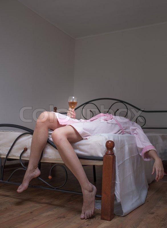 Спит голая тетя фото 6969 фотография