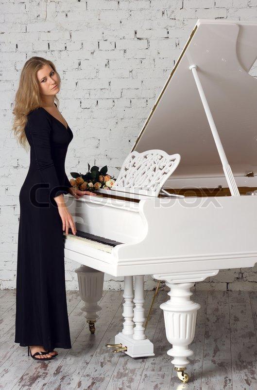 About Beautiful Woman Solo Piano 25
