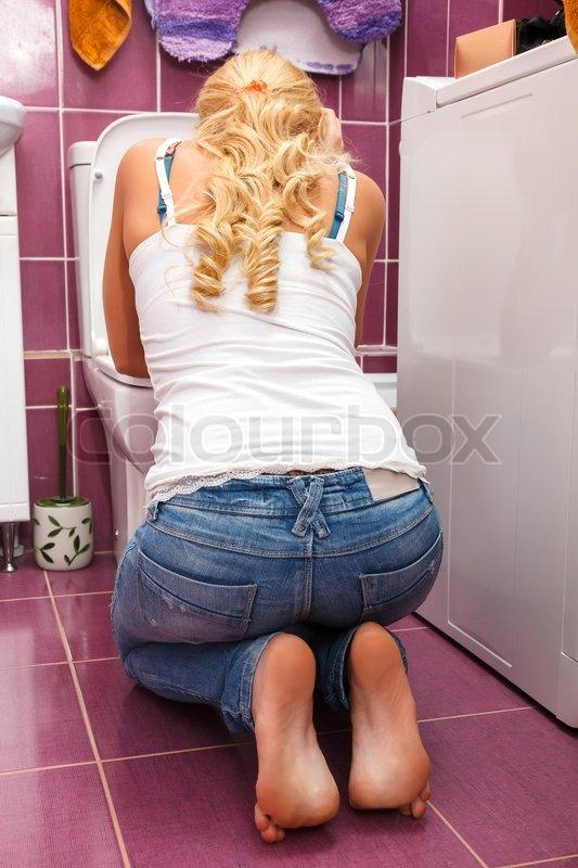 Фото блюющей женщины 20 фотография