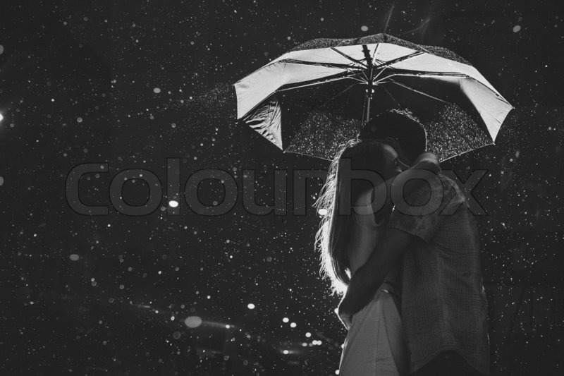 Images Of Lovers In Rain: Love In The Rain / Silhouette Of Kissing Couple Under