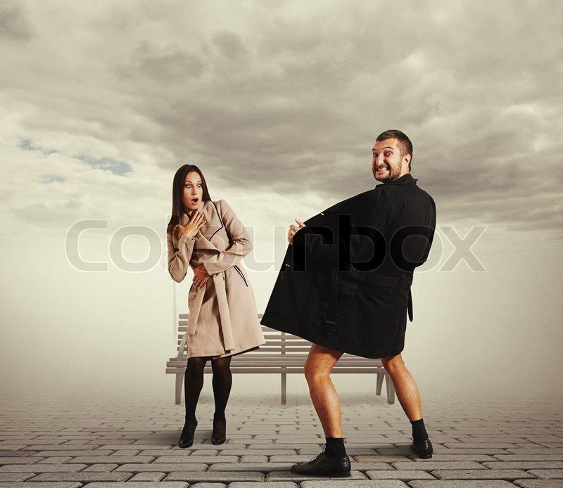 эксгибиционистки в городе фото