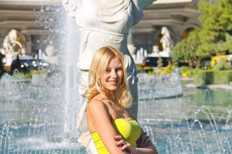 Vacation in Las Vegas. Girl on background of the fountain, stock photo