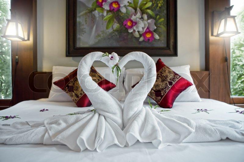 такое как красиво застелить кровать в отеле доставка заказа 5000