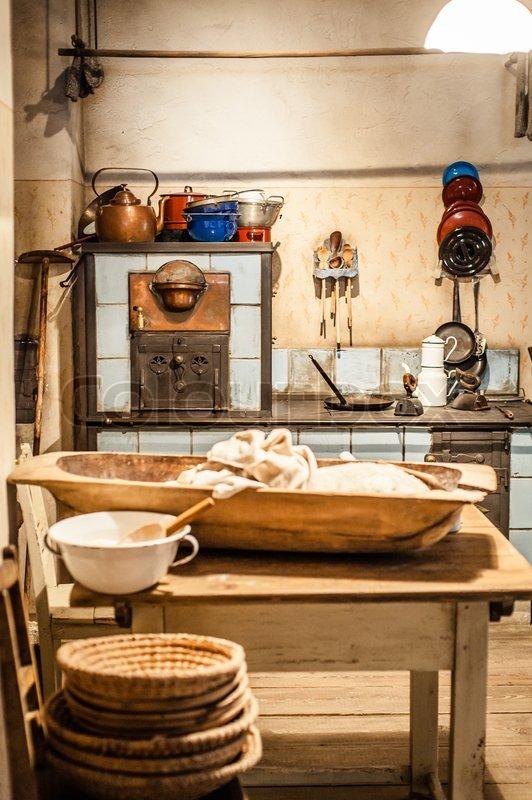 Alte Küche auf einem Bauernhof in Österreich | Stockfoto | Colourbox