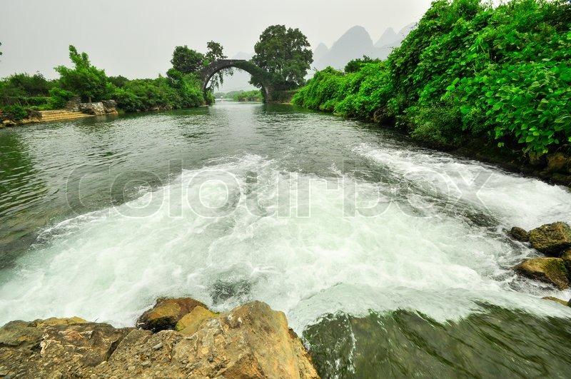 Stock image of 'Beautiful Li river side Karst mountain landscape in Yangshuo Guilin, China'