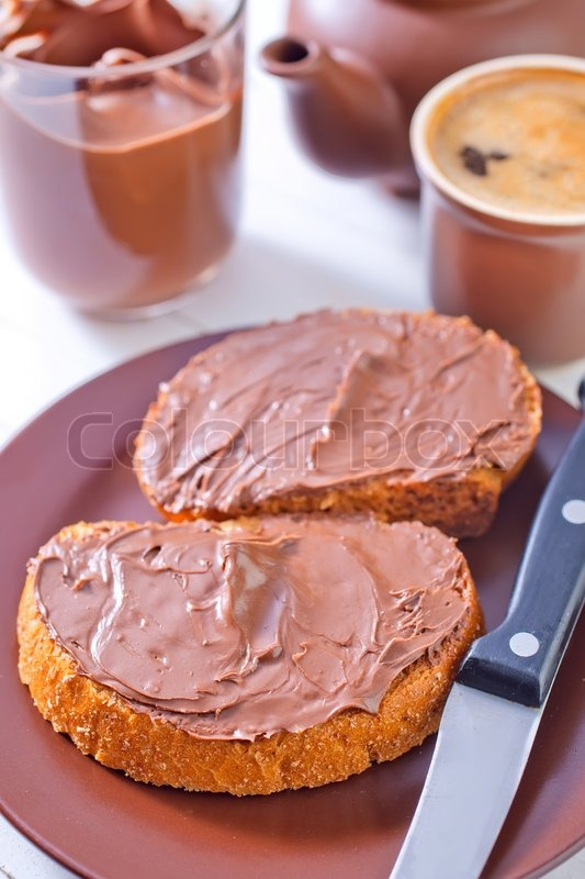 Stock image of 'Bread with chocolate cream'