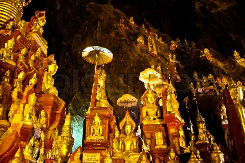 Stock image of 'Golden Buddha statues in Myanmar'