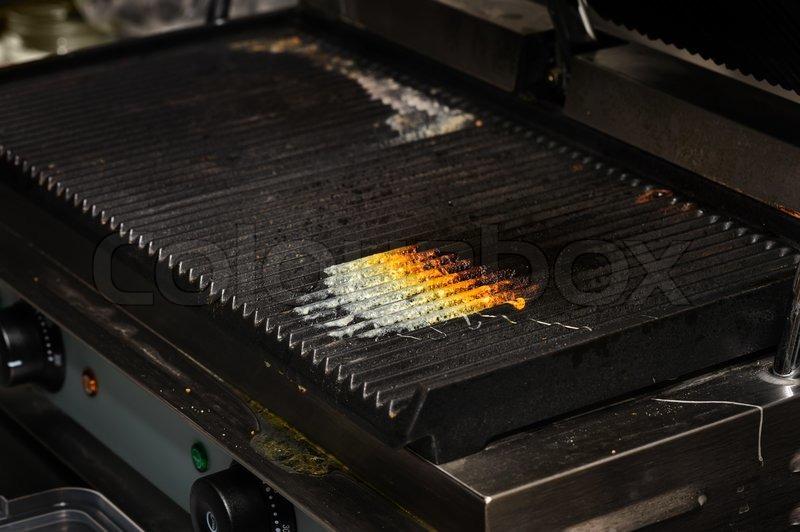 Schmutzige Küche grill | Stockfoto | Colourbox