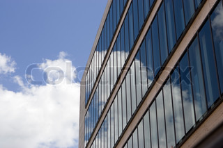 Reflection of the skies on a mirrored building