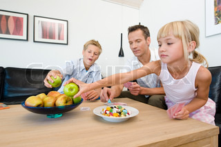 Image of 'families, candy, fruit'