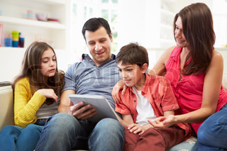 hispanic family watching tv - photo #11