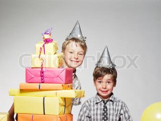 Billede af 'fødselsdag, børn, indenfor'