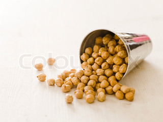 Uncooked chickpeas