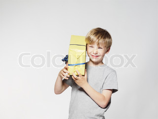 Image of 'children, festivity, gift'