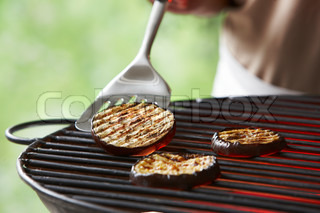 Barbecuing aubergines