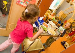Image of 'kindergarten, lunch, childhood'