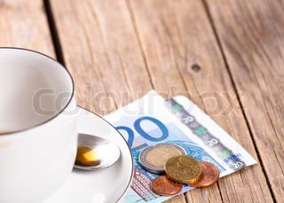 Billede af 'pengeseddel, regning, studie'