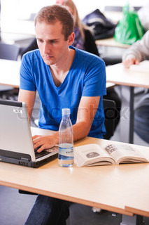 Billede af 'kollegium studerende, studerende, computere'