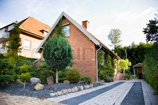 Billede af 'indkørsel, huse, hus'