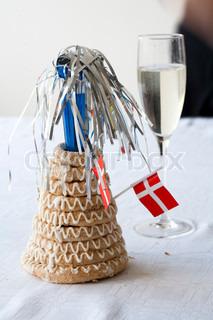 Billede af 'champagne glas, nytår, danske flag'