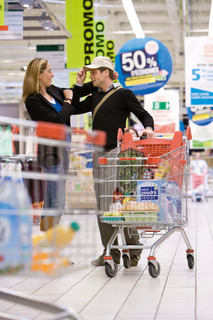 Image of 'shopping, couple, trolley'