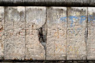 Berliner Mauer mit Graffiti und Slogans. Deutschland.