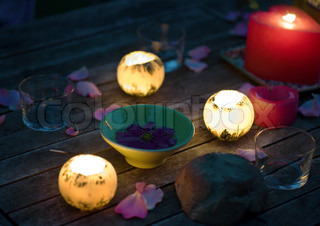 Image of 'candle, evening, petal'