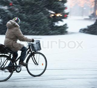 Billede af 'sne - omfattet, cykel, glatte'