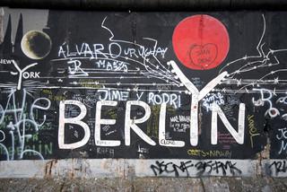 wallpaper graffiti berlin