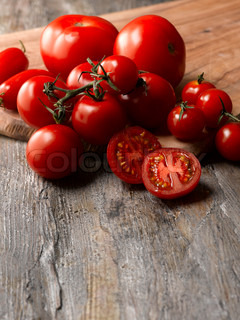 Food - bunch of red tomatoes