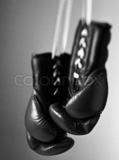 Bild von 'boxhandschuh, Boxhandschuhe, Gewalt'