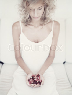 Image of 'feminine, rose, hand'