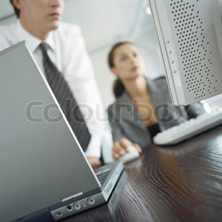 Image of 'it, computer, woman'