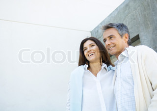 Image of 'couple, brunette, inside'