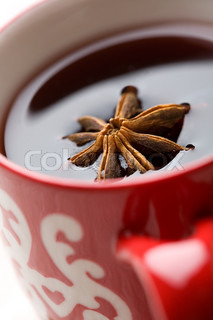 Spiced glogg wine and cinnamon