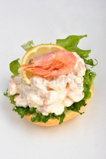 Billede af 'rejer, salat, smørrebrød'