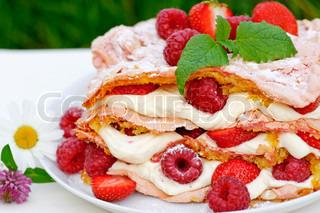 Billede af 'kage, jordbær, hindbær'