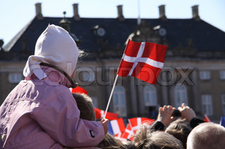 Crowd af mennesker på Amalienborg Danmark