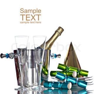 Champagner in Silber Eimer mit weißen Platten, Gold Partyhut und grün und Bule Partei begünstigt