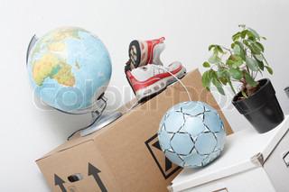 Bild von 'schachtel, globus, speicher'