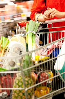 Bild von 'kaufen, frauen, gemüse'