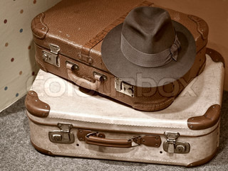 Image of 'luggage, travel, old'
