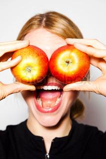 Billede af 'æble, kvinder, indendørs'