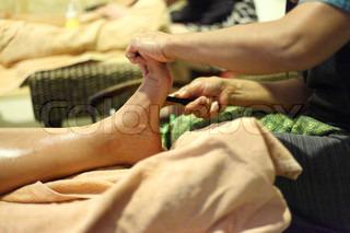 reflexology foot massage, foot spa treatment
