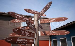 viele Anzeichen zeigen überall Insel von Helgoland in Deutschland.